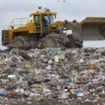 Poplatky za skládkovanie odpadov zabolia od roku 2019 najmä obce